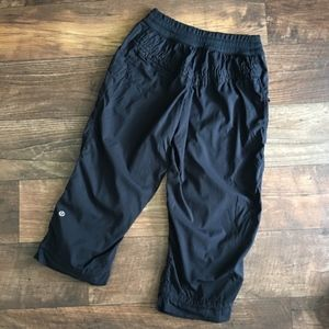 Lululemon rushed dance studio crop capri pants B14